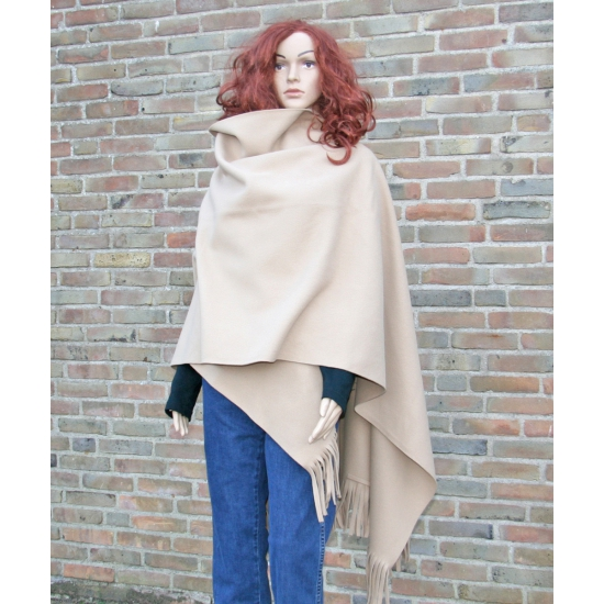Fleece poncho zand