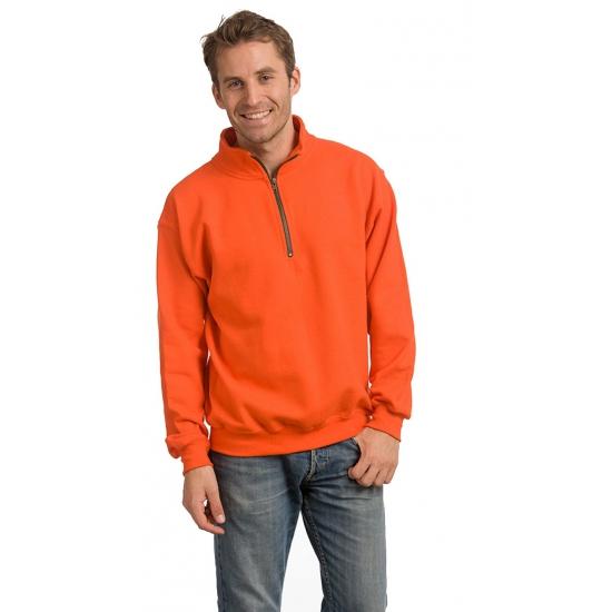 Oranje trui met donkergrijze stiksels