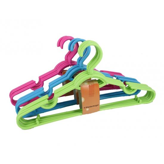 Setje van 5 plastic kledinghangers