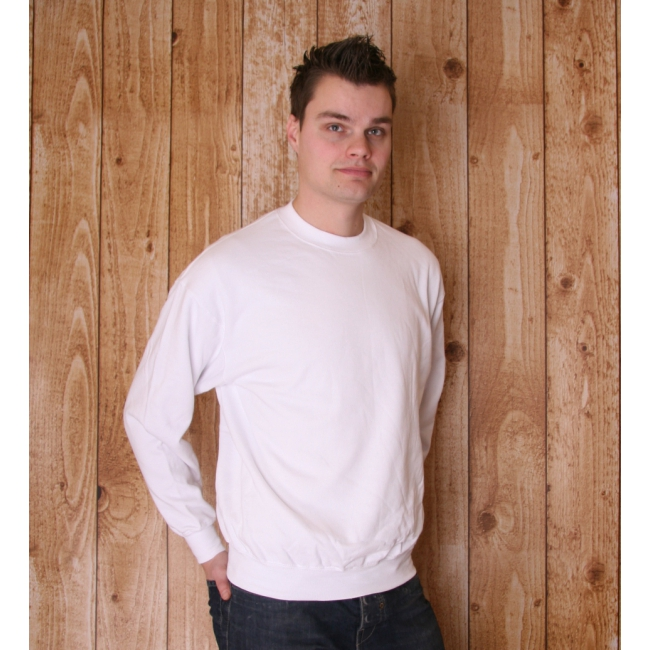 Witte Fruit of the Loom sweater ronde hals