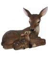 Beeldje liggend hert met jong 23 cm