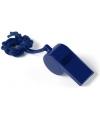 Blauw fluitje aan koord