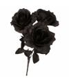 Boeket met drie zwarte rozen