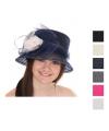 Dames hoed met strik en bloem