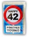 Happy birthday kaart met button 42 jaar