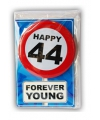 Happy birthday kaart met button 44 jaar