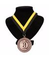 Kampioensmedaille nr 3 aan geel en zwart lint