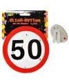 Lichtgevende broche 50 jaar met verkeersborden print