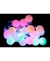 Lichtsnoer met licht gekleurde bolletjes