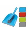 Plastic stoffer en blik blauw