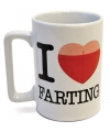 Pratende mok i love farting wit