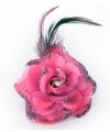 Roze bloem op speld