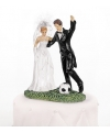 Trouwfiguurtje bruidspaar met voetbal