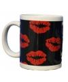 Valentijn zwarte mok met kusjes