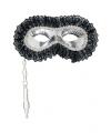 Zilveren oogmasker op stokje