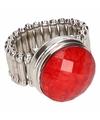 Zilveren ring met rode steen chunk