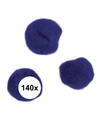 140x donkerblauwe knutsel pompons 7 mm