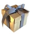 Goud cadeaudoosje 10 cm met zilveren strik