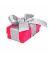 Roze cadeaudoosje 8 cm met zilveren strik