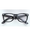 Zwarte bril zonder glazen